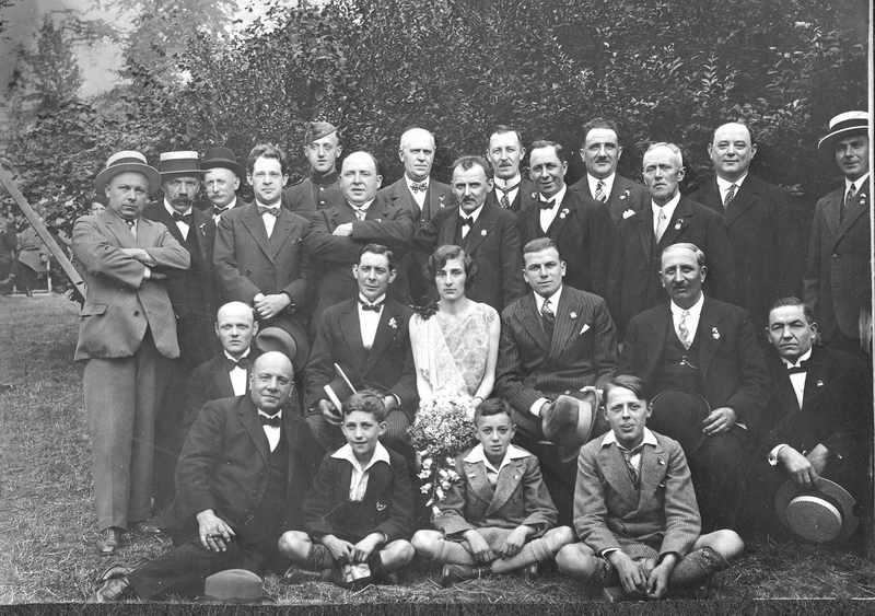 en 1933